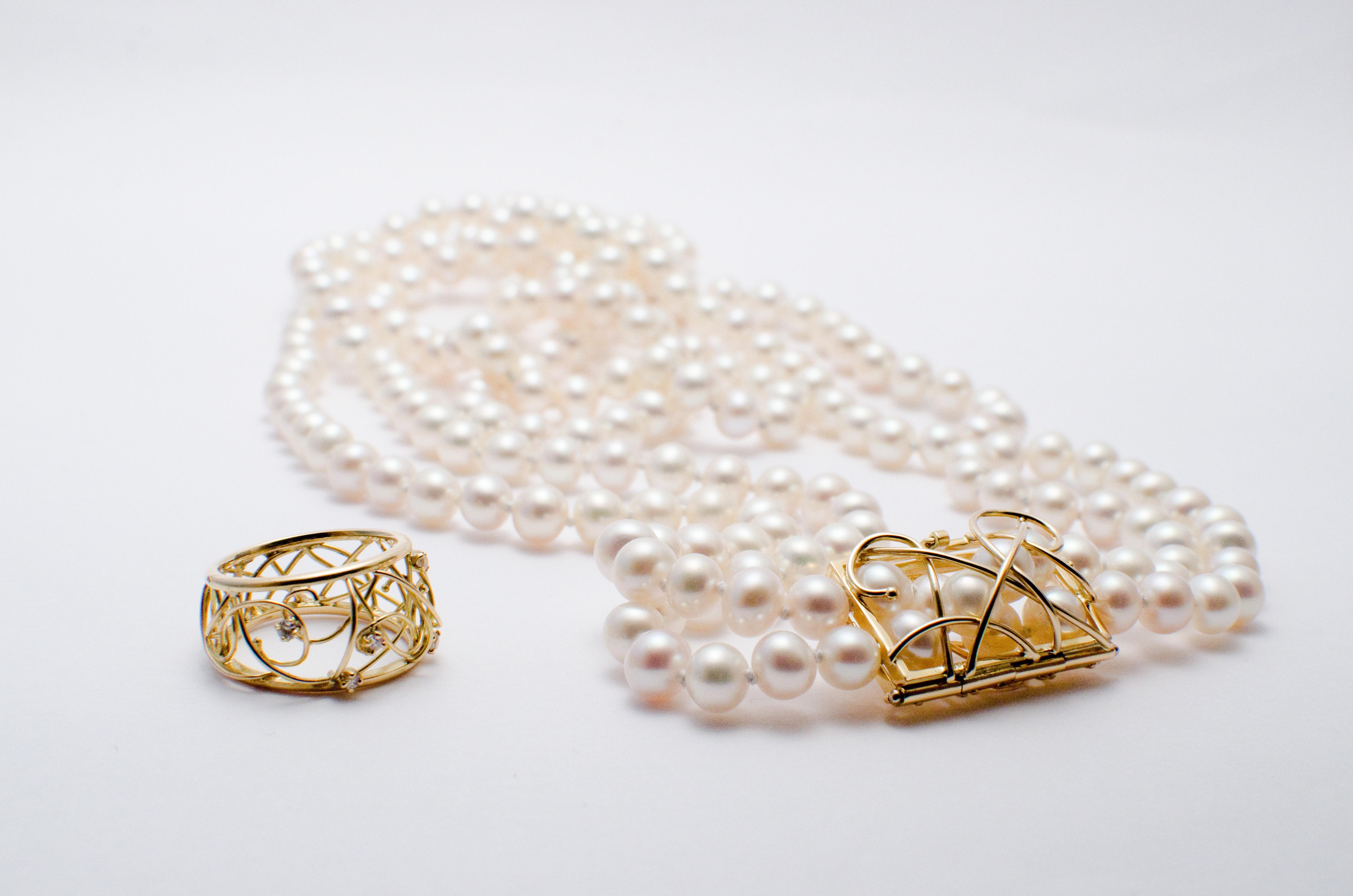 parure or jaune 18 carats diamants et perles fines. Black Bedroom Furniture Sets. Home Design Ideas